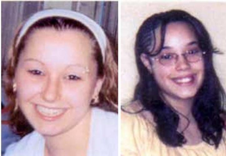 Amanda Berry (i) y Georgina De Jesús, dos de las mujeres que permanecieron cautivas una década en Cleveland. (Archivo/Agencias)
