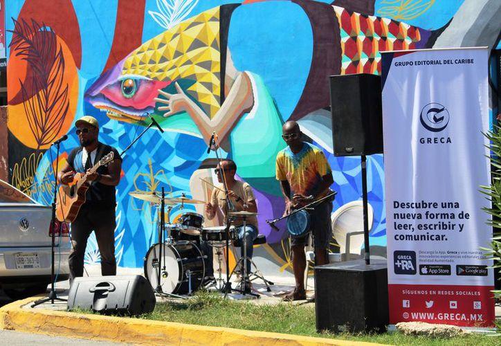 Se inauguró el mural Tótem con realidad aumentada y con la participación de la banda de rock playense Pacheco. (Foto: Octavio Martínez/SIPSE)