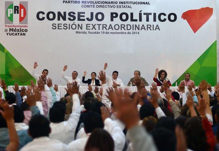 Los integrantes del Consejo Político aprobaron los métodos electivos para elegir a los candidatos a diputados y presidencias municipales. (Milenio Novedades)