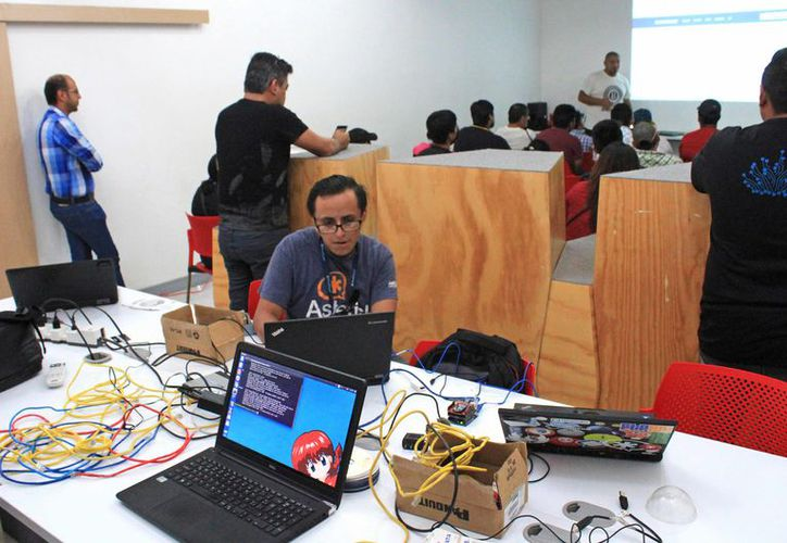 El año pasado el principal eje fue la instalación masiva de Software Libre a estudiantes. (Jesús Tijerina/ SIPSE)