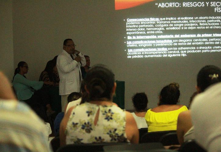 Debido a la clandestinidad con la que se practica, el aborto causa muchas muertes en mujeres. (Octavio Martínez/SIPSE)