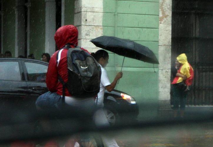 Pese a que se espera que llueva este viernes, sábado y domingo, también se esperan temperaturas muy calurosas. (SIPSE)