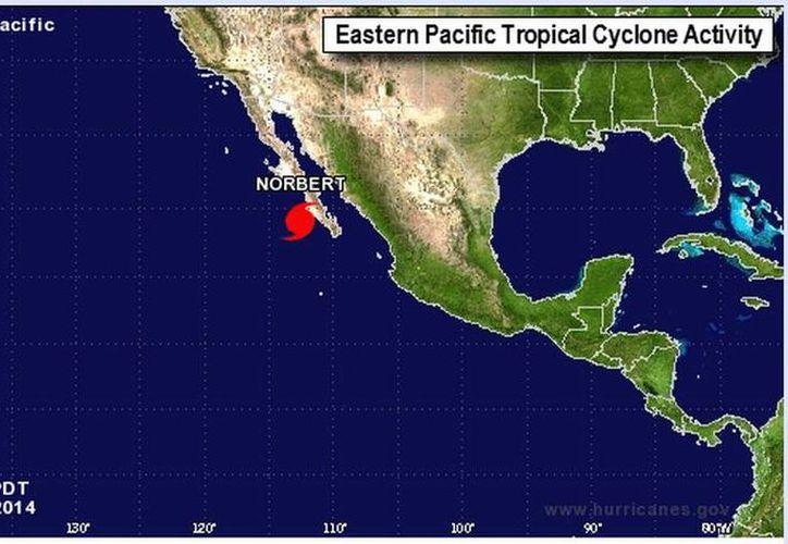 El huracán 'Norbert' ocasiona fuertes lluvias en la Península de Baja California. (noaa.gov)