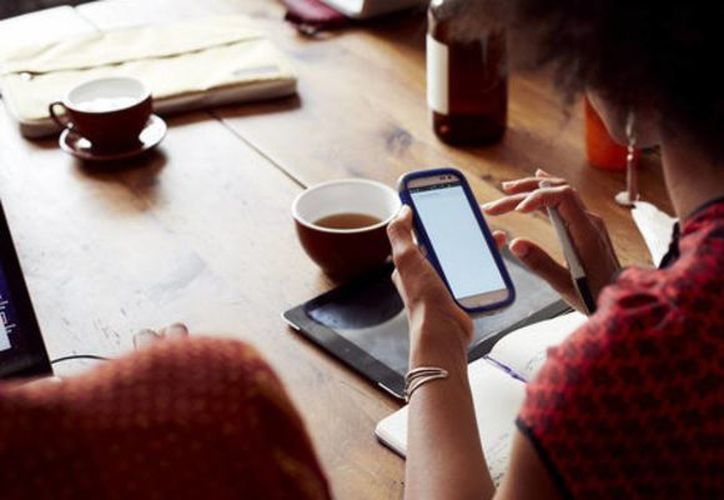 Según investigadores el estado de estrés de un usuario de Facebook se agrava especialmente si en su perfil tiene una gran cantidad de amigos. (huffingtonpost.com)