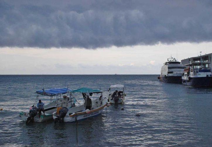El frente frío número 31 afecta a la Isla de las Golondrinas. (Gustavo Villegas/SIPSE)