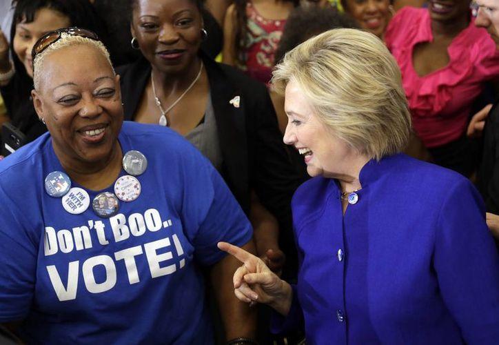 Hillary Clinton estará el domingo en Charlotte, Carolina del Norte, para conocer de primera mano la situación racial que vive la ciudad tras el asesinato de un afroamericano. (AP/Matt Rourke)