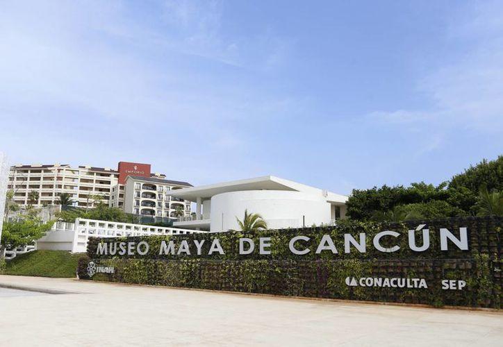 El Museo Maya de Cancún el año pasado acudieron 105 mil visitantes, de enero a junio pasado la cifra es de 50 mil visitas. (Israel Leal/SIPSE)