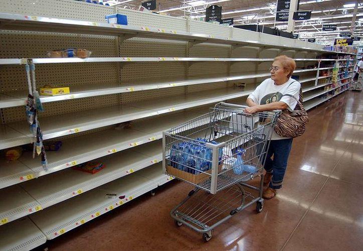 Economistas aseguran que se aproxima una militarización de la economía en Venezuela. (jornadadiaria.com)