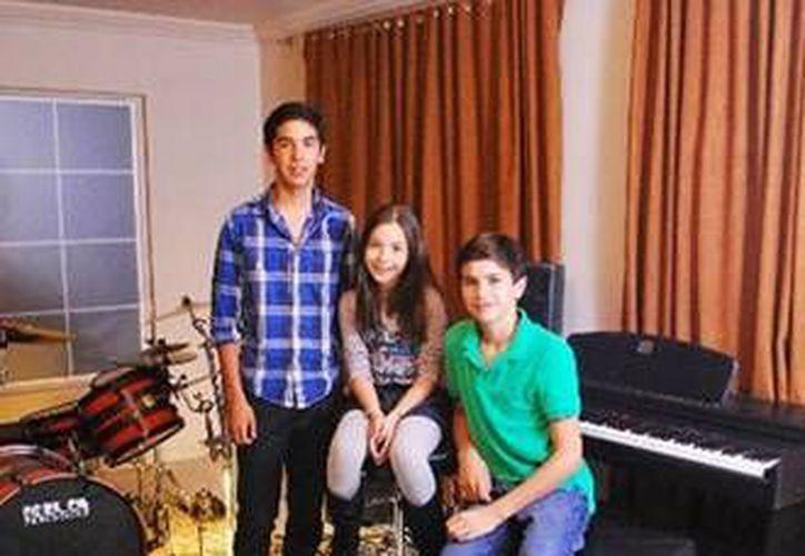 Los Vázquez Sounds participaron en el himno del Teletón de este año. (www.wordpress.com)