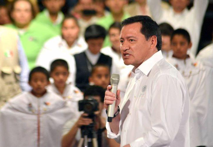 Osorio Chong negó que la propiedad en Lomas de Chapultepec fuera suya, pero reconoció que el reportaje no tiene 'una sola palabra falsa'. (Archivo/Notimex)