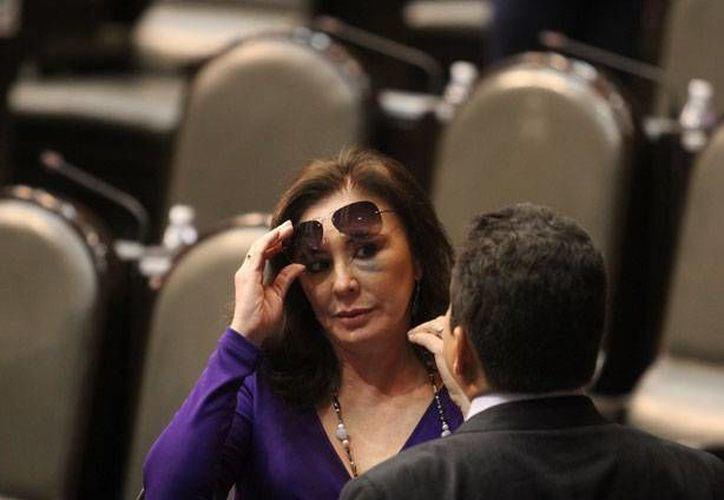 La diputada yucateca Beatriz Zavala Peniche con el ojo morado en la sesión de este jueves en San Lázaro. (excelsior.com)
