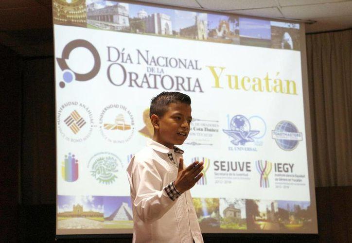 Once personas formaron parte de la 'Jornada de Discursos' organizada por la Sejuve en el marco del Día Nacional de la Oratoria.  (Milenio Novedades)