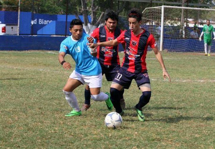 El Juego de Estrellas de Futbol de Primera Fuerza de Yucatán enfrentará a una selección A compuesta por la selección yucateca que participó en el Campeonato Nacional de la especialidad, y por una selección B con los mejores exponentes de los 20 equipos municipales. (SIPSE)