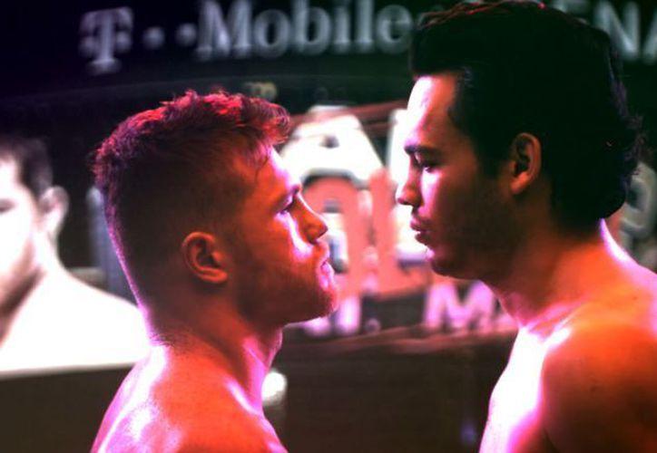 El combate entre Canelo y el hijo de la Leyenda será el próximo 6 de mayo el T-Mobile Arena. (Récord).