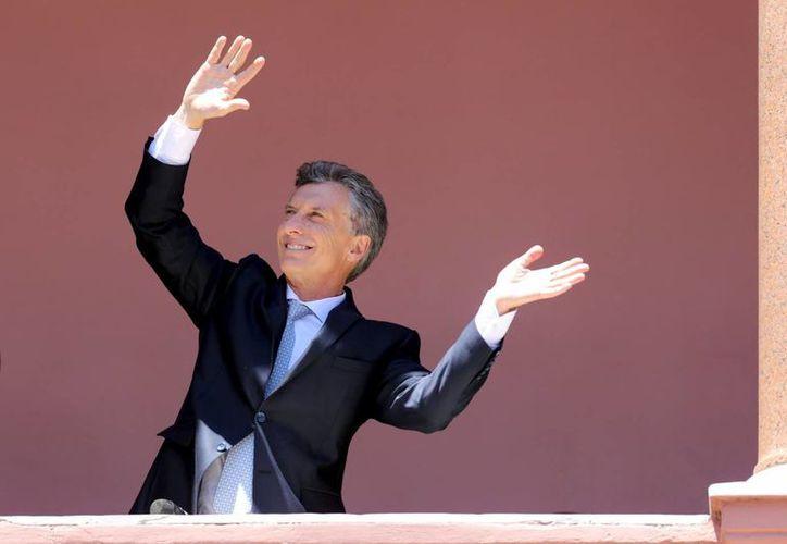 El gobierno del presidente Macri decretó el endurecimiento de las políticas migratorias de Argentina, país que se ha caracterizado por sus brazos abiertos a todos los extranjeros. (tadevelapps.com)