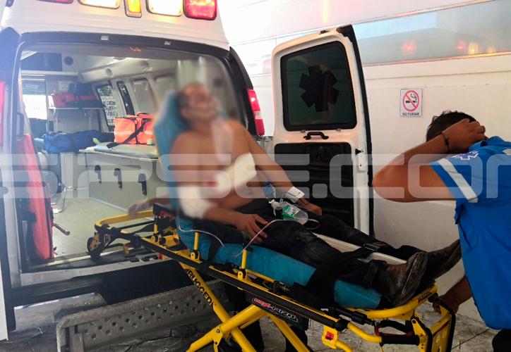 El taxista dijo a los oficiales que al llegar al establecimiento fue agredido por otro de sus colegas del gremio. (Redacción/SIPSE)
