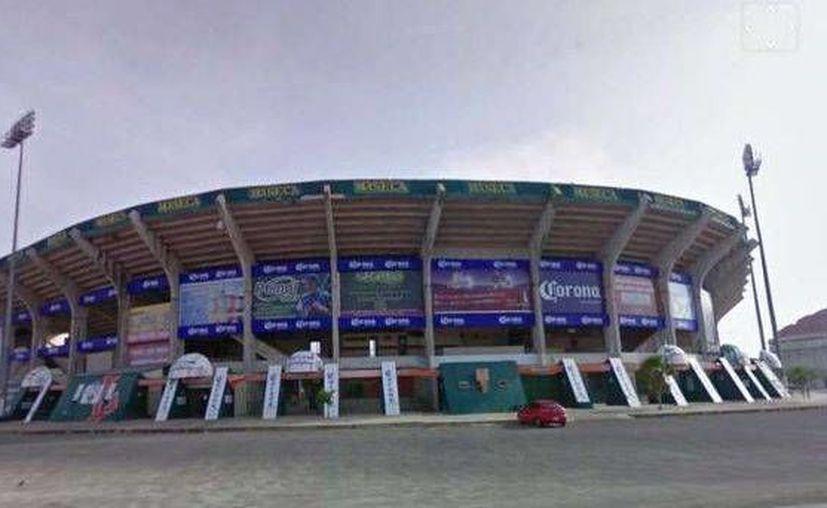 """El estadio """"Kukulcán"""" cumple en estos días 32 años de existencia. (Milenio Novedades)"""