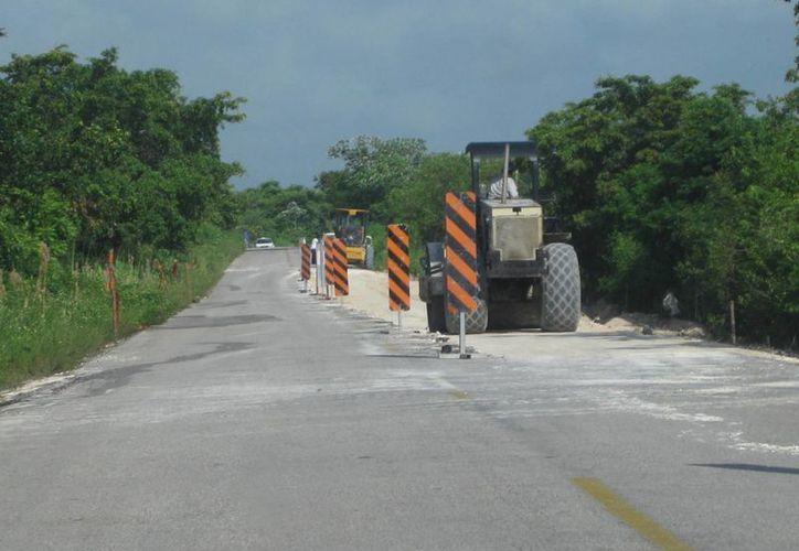 Las carreteras afectas ya están siendo reparadas por la Sintra y SCT. (Javier Ortiz/SIPSE)