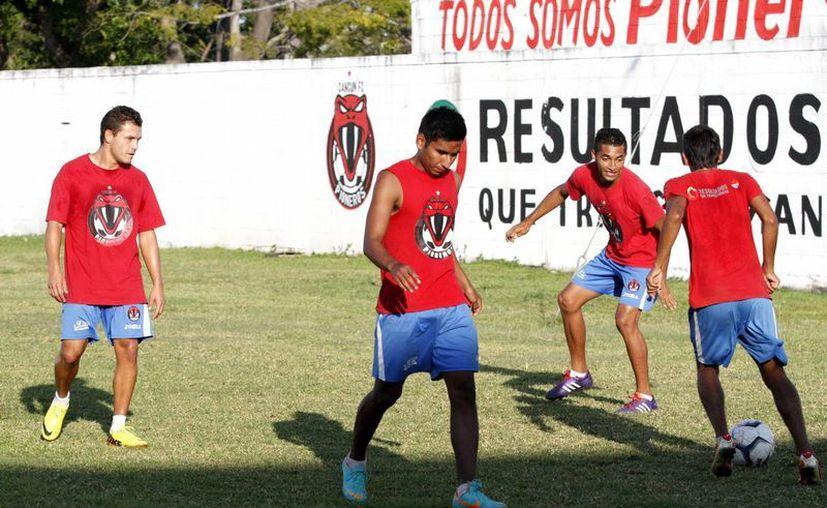 El equipo aún compite por el campeonato. (Francisco Gálvez/SIPSE)