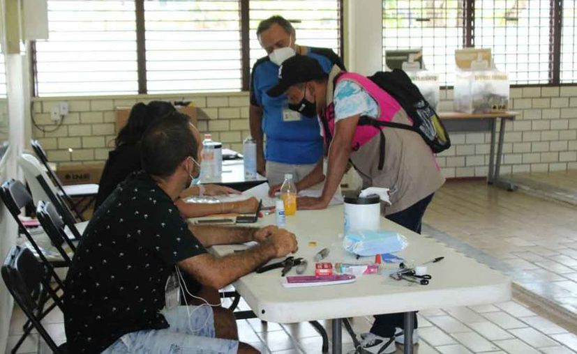 Alistan mesas para consulta popular. (Octavio Martínez/SIPSE)