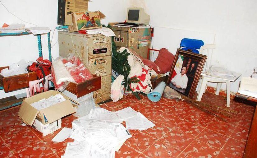 Un robo se registró en las oficinas del PRI en José María Morelos, ayer. (Redacción/SIPSE)