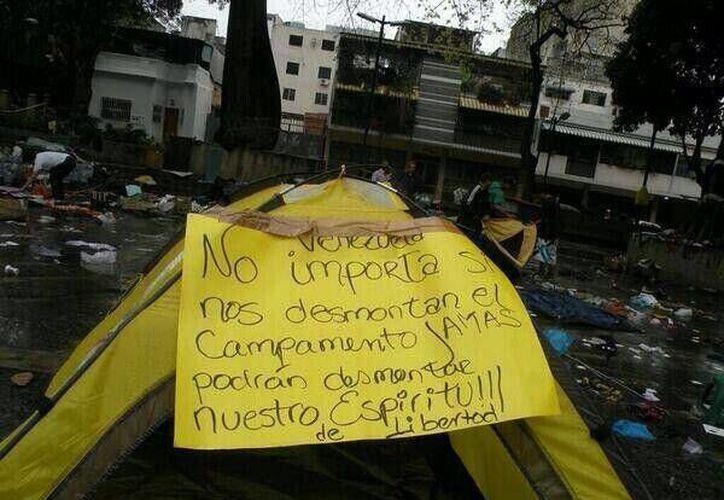 Imagen de uno de los campamentos levantados en Caracas. (twitter.com/JAVUresistencia)
