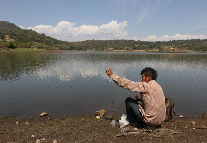 El investigador Federico Navarrete Linares señaló que los pueblos indígenas poseen alrededor de una quinta parte del territorio nacional. (Archivo Notimex)