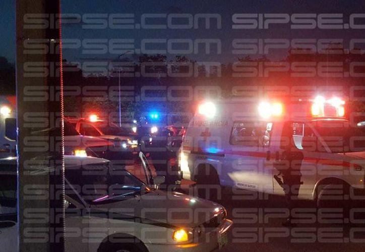 En el lugar de los hechos acudieron las autoridades de seguridad, quienes atendieron el reporte. (Redacción/SIPSE)