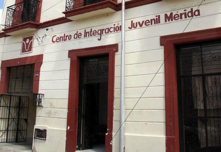 La principal droga legal de inicio es el alcohol y la ilegal la marihuana, afirmó el director del CIJ en Yucatán. (Milenio Novedades)