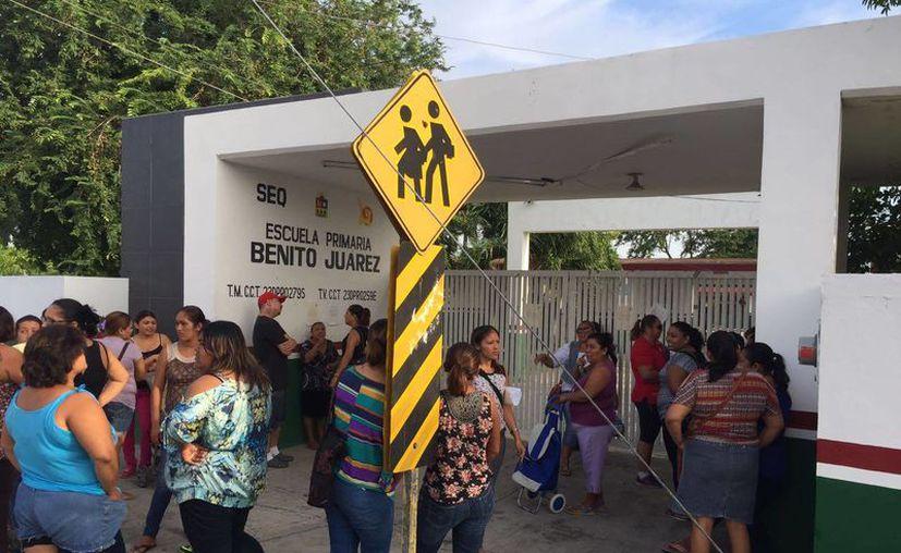 Para tratar de resolver el problema, esta mañana acudió personal de la Secretaría de Educación y Cultura. (Carlos Horta/ SIPSE)