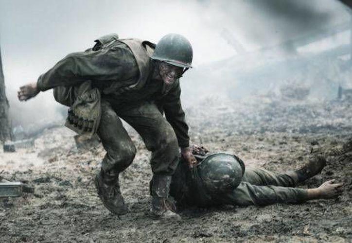 'Hasta el último hombre' o 'Hacksaw Ridge', el más reciente filme de Mel Gibson, ganador del Oscar, se basa en la vida del soldado Desmond Doss, quien obtuvo la medalla de honor del Congreso de EU. (vulture.com)