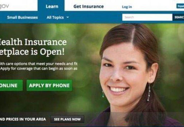 Adriana indicó que no es modelo profesional ni le pagaron por aparecer en la página healthcare.gov. (Internet)