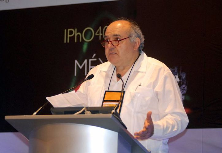 El astrónomo Felipe Rodríguez resalta la precisión que tenían las observaciones y estudios astronómicos de los mayas. (Milenio Novedades)