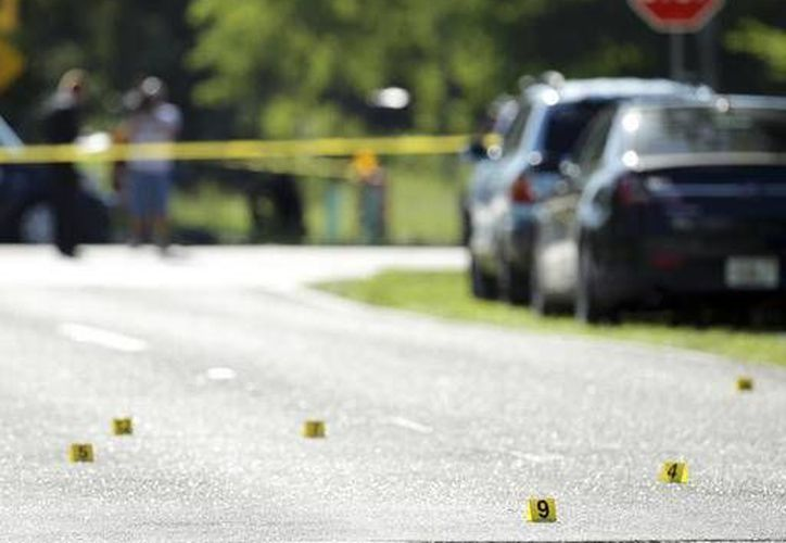 Un tiroteo en un club nocturno de Florida, durante una fiesta de adolescentes, dejó como saldo dos muertos y más de 15 heridos. Se desconocen los motivos del ataque. (AP)