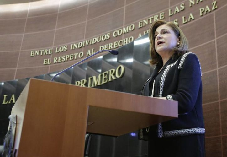 Arely Gómez compareció esate lunes para fundamentar su nombramiento, en sustitución de Jesús Murillo Karam en la PGR. (Foto Notimex)