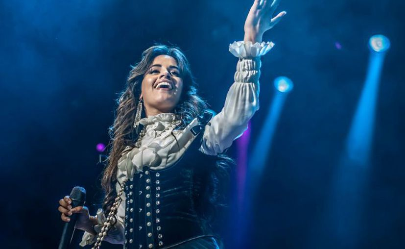 Camila mandó diversos mensajes de aliento a sus fans. (Notimex)