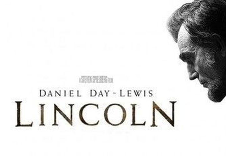 Cartel promocional de la película 'Lincoln', que protagonizada Daniel Day-Lewis. (Agencias)