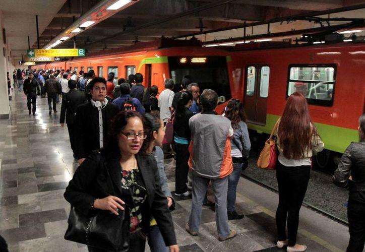 La Oficina de Objetos Extraviados en el Metro del DF se ubica en la estación Candelaria. (Archivo/Notimex)