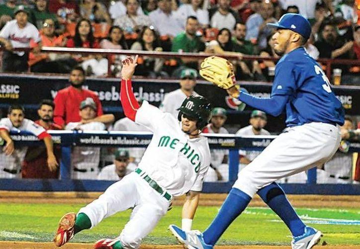Durante todo el juego, México aprovechó los errores defensivos de Nicaragua para vencerlos en siete entradas. (Foto tomada de mexicalisport.com)