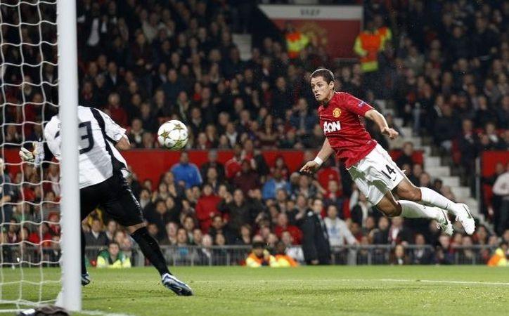 'Chicharito' destaca en la preferencia de los fans del Manchester United con 920 votos, (Foto: Agencias)
