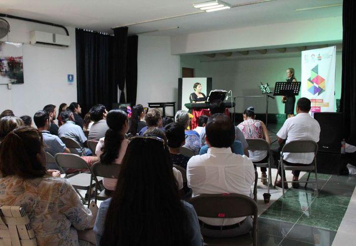 La asistencia llenó el espacio que fue destinado para el evento. (Redacción)