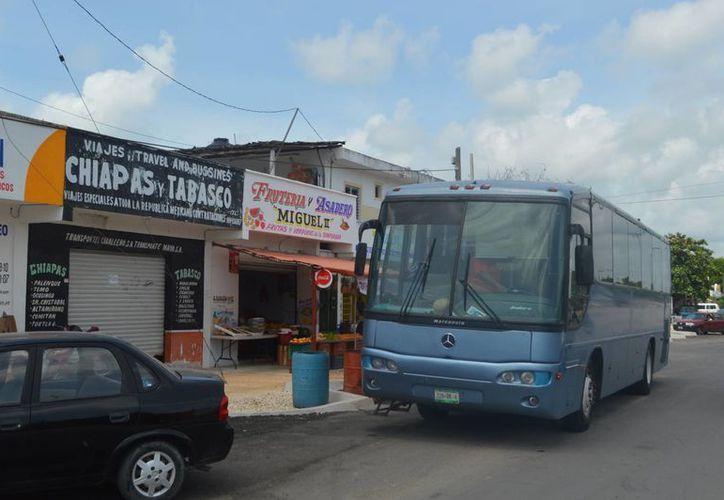 Los inspectores piden cuotas a los transportistas foráneos. (Rossy López/SIPSE)