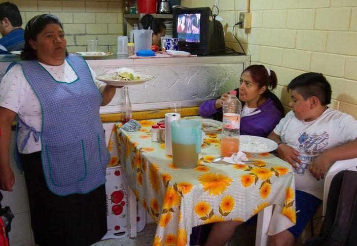 Las mayoría de las familias mexicanas son sostenidas por una mujer que inicia su negocio propio. (Agencia)