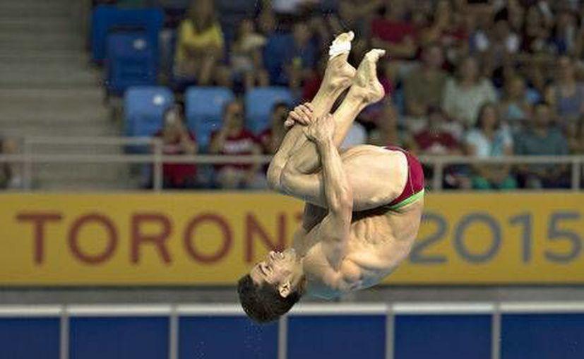 El clavadista yucateco Rommel Pacheco ganó una segunda plaza olímpica para México al quedar como finalista en  trampolín de 3 metros en el Mundial de Natación celebrado en Kazán. (mexsports.com)