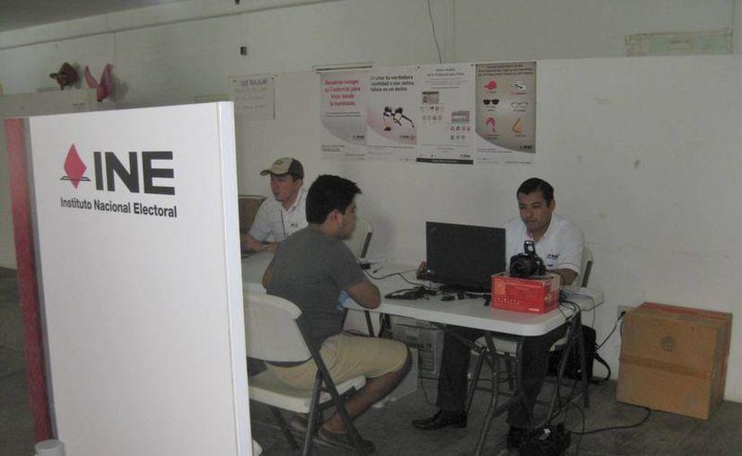 Para las próximas elecciones locales los ciudadanos podrán votar con sus credenciales actuales. (Javier Ortíz/SIPSE)