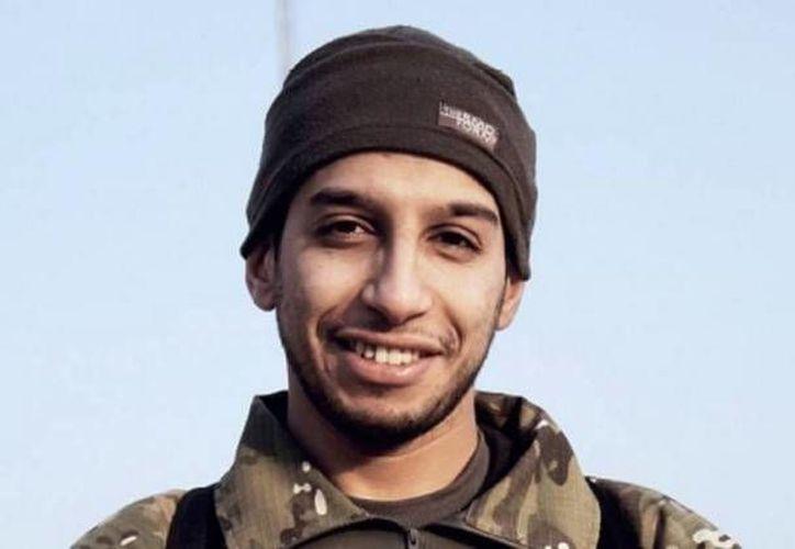 Abdelhamid Abaaoud, de 28 años, fue asesinado durante una redada por la policía francesa. Nacido en Bélgica y con padres marroquíes inicio su carrera delictiva con  el tráfico en pequeña escala y robos con violencia. (Archivo AP)