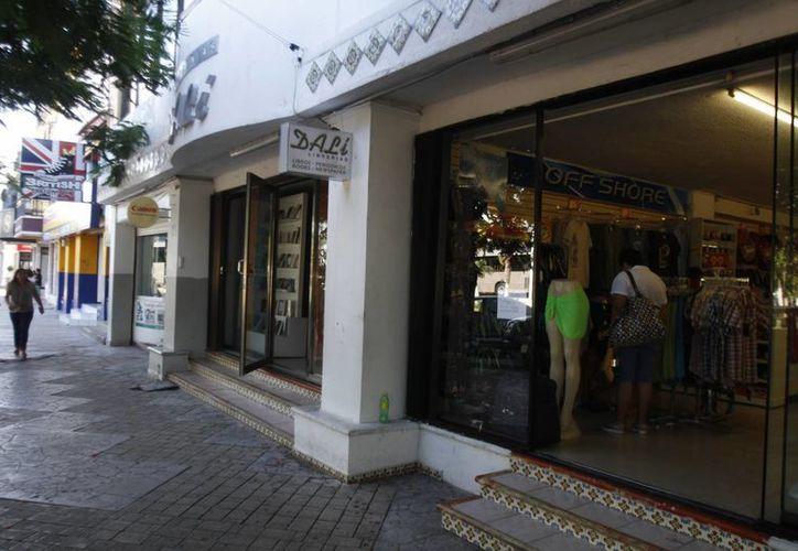 Serán las tiendas de autoservicio, ropa y los que venden souvenirs las más beneficiadas. (Israel Leal/SIPSE)