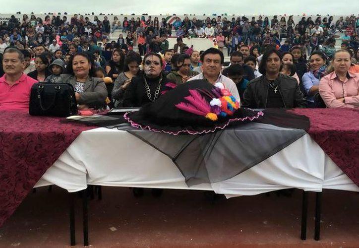 Estudiantes de secundaria homenajearon al artista mexicano José Guadalupe Posada. (Cortesía)