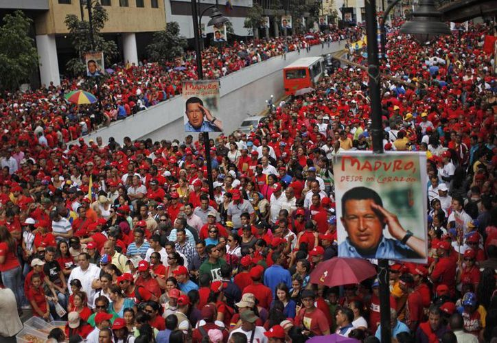 El presidente encargado de Venezuela, Nicolás Maduro será el candidato del chavismo en las elecciones de abril próximo. (Agencias)