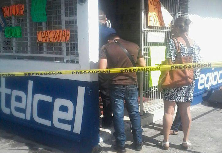 Se robaron alrededor de 40 mil pesos en un establecimiento de venta de celulares en Chetumal. (Foto: Redacción/SIPSE)